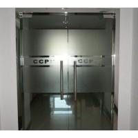 上海闵行区维修玻璃门下沉磨地面地弹簧调试 玻璃把手更换