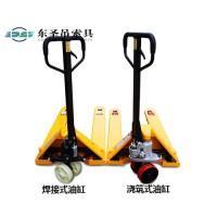 液压堆高叉车与吊钳配合使用